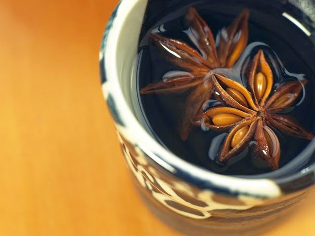 star-anise-floating-in-herbal-tea-89295
